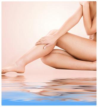 donna gambe acqua